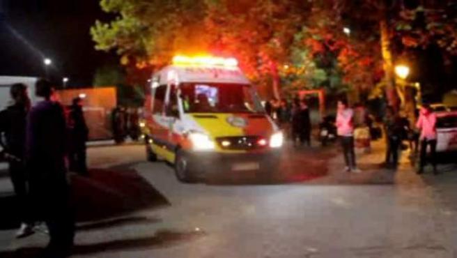 Desalojo gradual en el Madrid Arena tras la avalancha que ha causado la muerte a tres jóvenes la noche de Halloween y a una cuarta, de 17 años, días después de la fiesta.