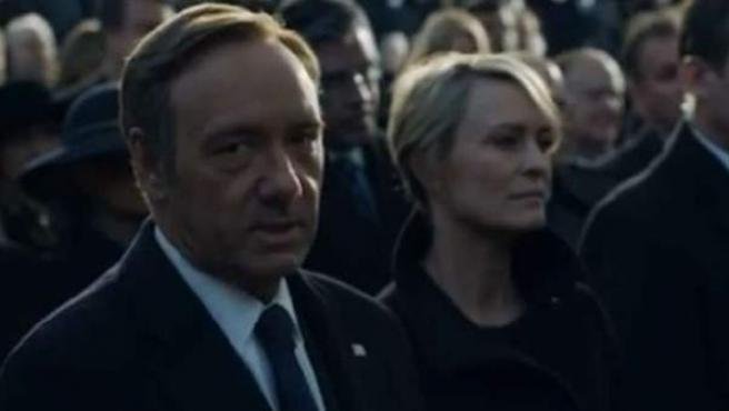 Fotograma extraído del vídeo promocional de 'House of Cards', con Kevin Spacey y Robin Wright.