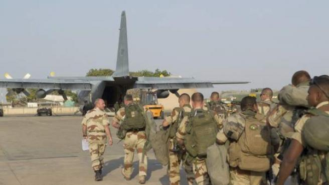 """Soldados franceses, durante la denominada """"Operación Cerval"""", en Mali."""