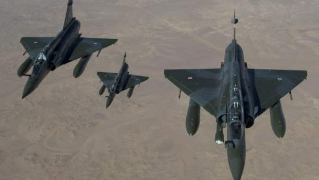 Dos aviones franceses se disponen a llevar a cabo la intervención militar sobre Mali.
