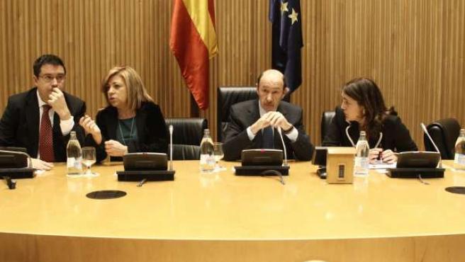Rubalcaba, en la reunión del Grupo socialista en el Congreso