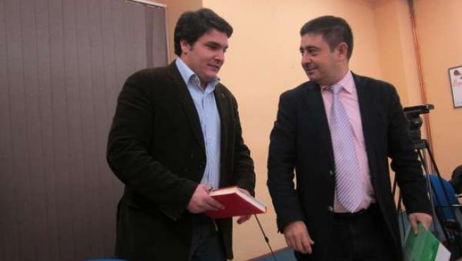 Francisco Reyes, (izda), con Manuel Lozano antes de la rueda de prensa.