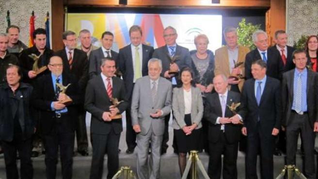 Griñan con los galardonados con el Premio Andalucía de Medio Ambiente