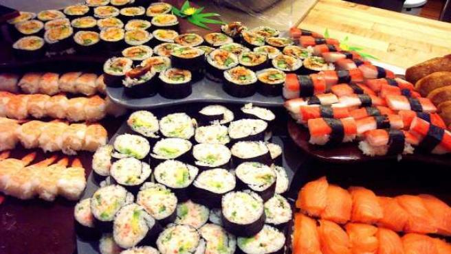 Un festín de sushi y otras delicias japonesas.
