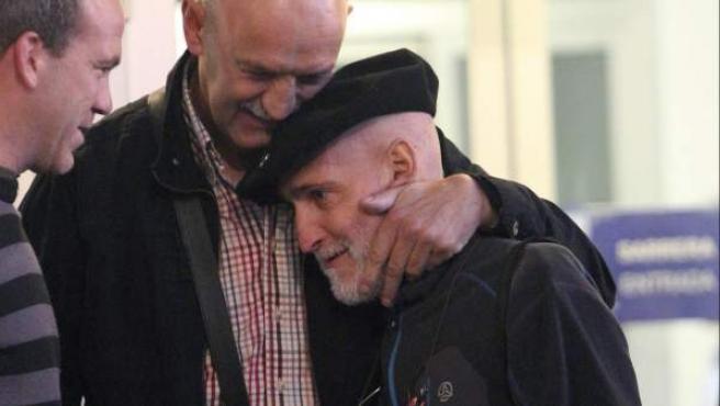 El preso de ETA enfermo de cáncer Iosu Uribetxebarria Bolinaga, a su salida del hospital.