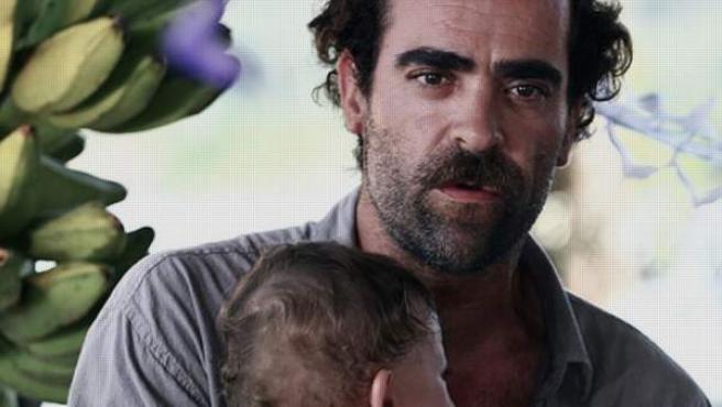 Una imagen de la película 'Equipo E' protagonizada por Luis Tosar.