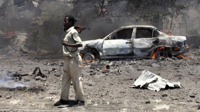 Imagen del atentado que Al Sharab cometió el pasado mes de octubre en Mogadiscio, capital de Somalia.