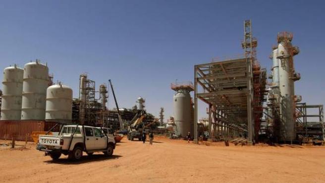 Fotografía cedida por la compañía petrolera noruega Statoil que muestra la planta de gas en In Amenas, Argel.