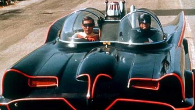 El Batmóvil que usaba el Batman de los años 60, interpretado por Adam West.