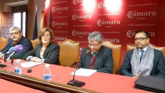 Mari Ángeles Martínez (Cámara de Comercio) y embajador de Bangladesh