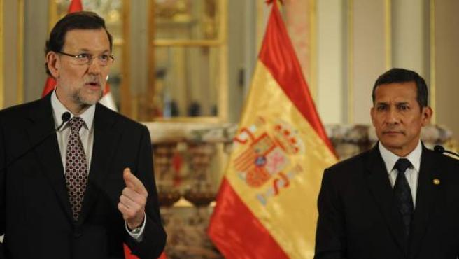El presidente del Ejecutivo español, Mariano Rajoy, ofrece declaraciones junto al presidente de Perú, Ollanta Humala.