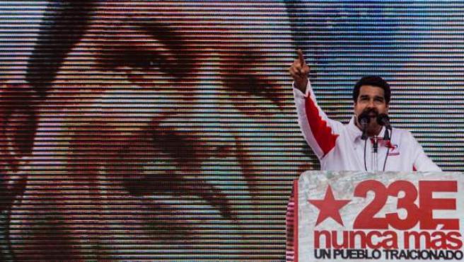 El vicepresidente de Venezuela, Nicolás Maduro habla durante un mitin que culminó una marcha en solidaridad con el presidente Hugo Chávez en Caracas (Venezuela).