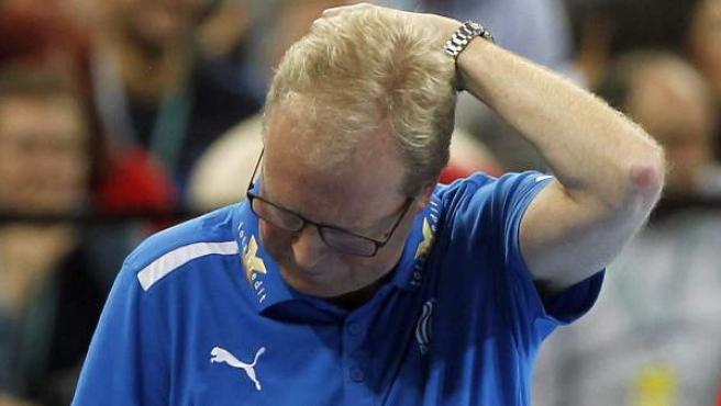 El seleccionador danés de balonmano, Wilbek, durante la final del Mundial.