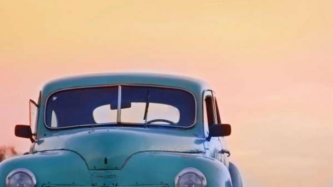 Un coche.