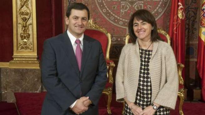La consejera Vera con el ministro de Sanidad de Albania.