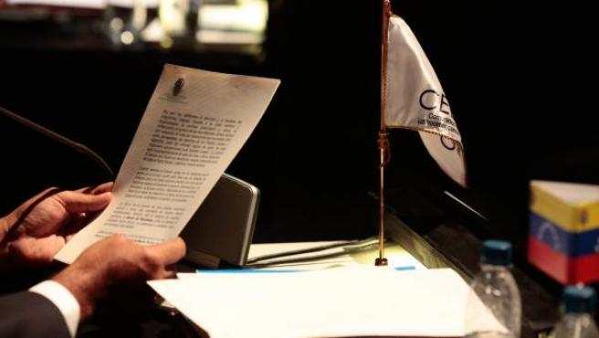 Carta del presidente de Venezuela, Hugo Chávez, que fue leída por su vicepresidente, Nicolás Maduro, durante la Cumbre de la Comunidad de Estados Latinoamericanos y Caribeños (Celac), en Santiago de Chile.