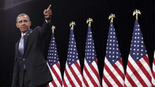 """El presidente estadounidense, Barack Obama, habla el martes 29 de enero de 2013, en la escuela Del Sol en Las Vegas, Nevada (EE UU). Obama, defendió su plan para una reforma migratoria que legalice a la población indocumentada, convencido de que el país está listo para sacarla adelante y de que la medida está """"al alcance""""."""