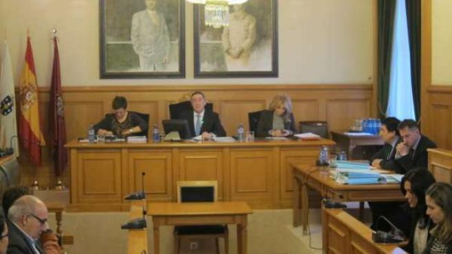 Pleno en el Ayuntamiento de Santiago