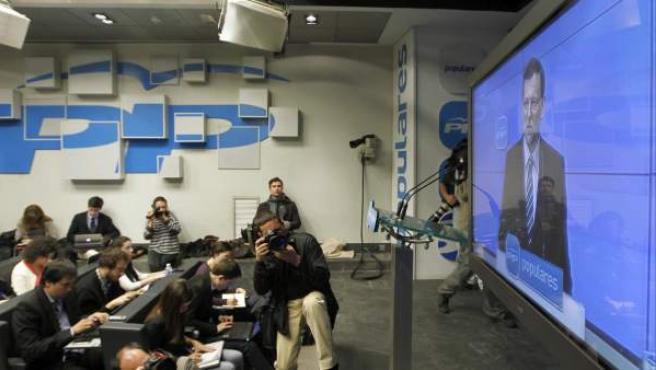 Vista general de la sala de prensa, durante la intervención del presidente del Gobierno, Mariano Rajoy, en la reunión extraordinaria del Comité Ejecutivo Nacional del PP.