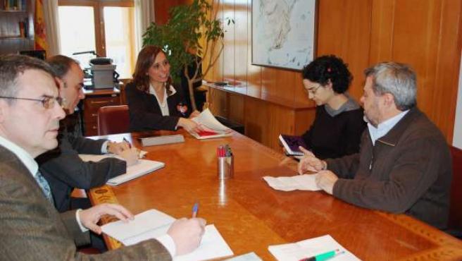 La directora general del Agua del MAGRAMA, Liane Ardiles, se reúne con EA