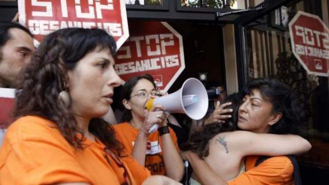 Imagen de archivo de las protestas para impedir un desahucio en Campanar (Valencia).