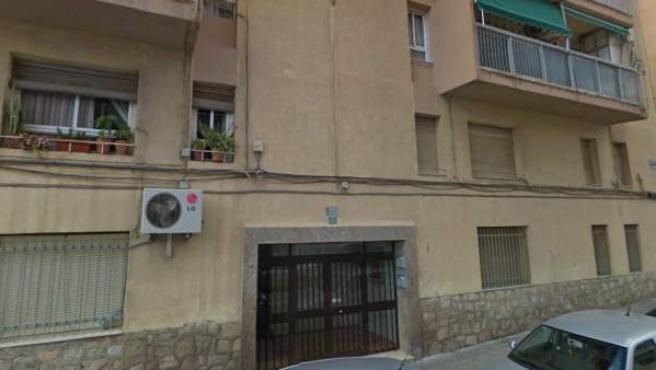 La calle Poeta Sansano número 25 de Alicante, donde ha tenido lugar el suceso.
