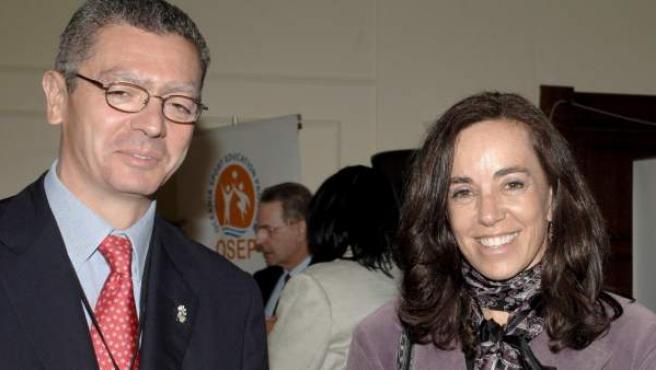 Mercedes Coghen y Alberto Ruiz-Gallardón durante un acto de la candidatura olímpica Madrid 2016.