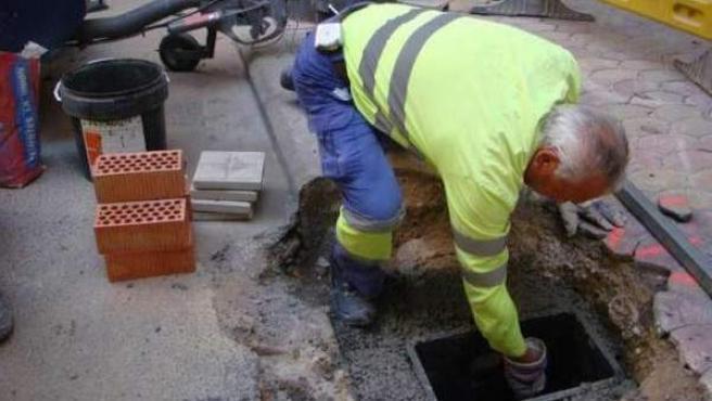 Un trabajador de la construcción durante su jornada laboral.