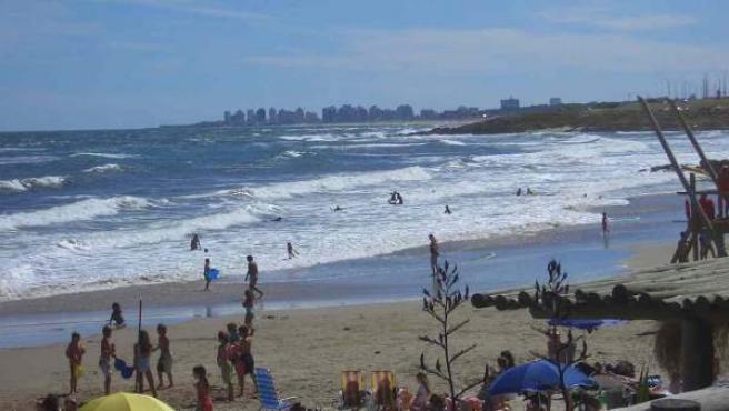 Playa de la Barra de Maldonado, en Punta del Este (Uruguay).