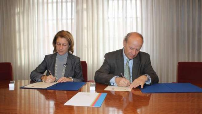 La AVL firma el primer convenio con el Cardenal Herra-CEU