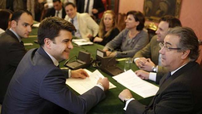 Zoido, junto al concejal delegado de Participación Ciudadana, Beltrán Pérez