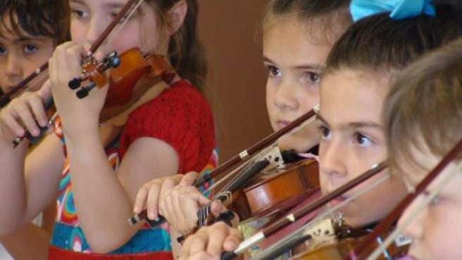 Alumnos de Música Temprana, que actuará a beneficio de la Fundació Gent per Gent