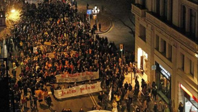 Vista general de la manifestación que bajo el lema 'Fem-los fora! Juntes podem!' (Echémoslos! Juntas podemos), este 23-F.