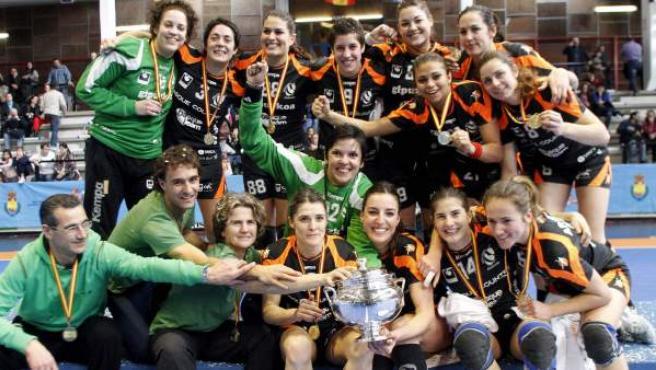 El Balonmano Bera Bera, campeón de la Copa de la Reina de balonmano femenino 2013.