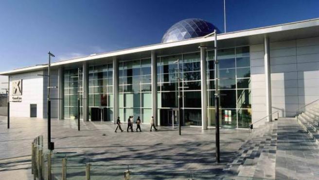 Fachada del museo CosmoCaixa de Alcobendas.