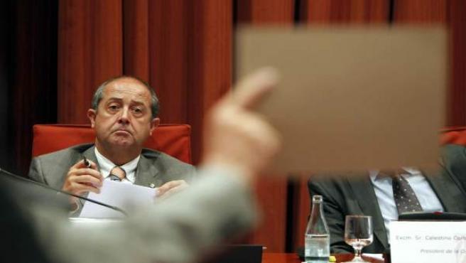 Felip Puig escucha a la oposición.