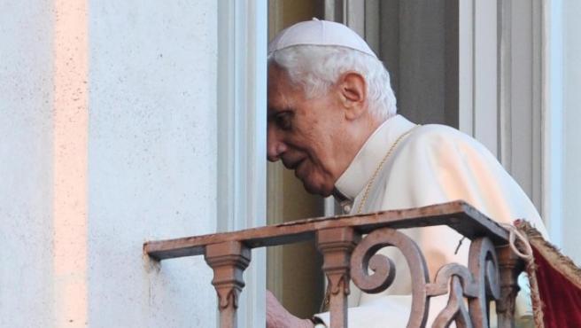 El papa Benedicto XVI, tras decir adiós.