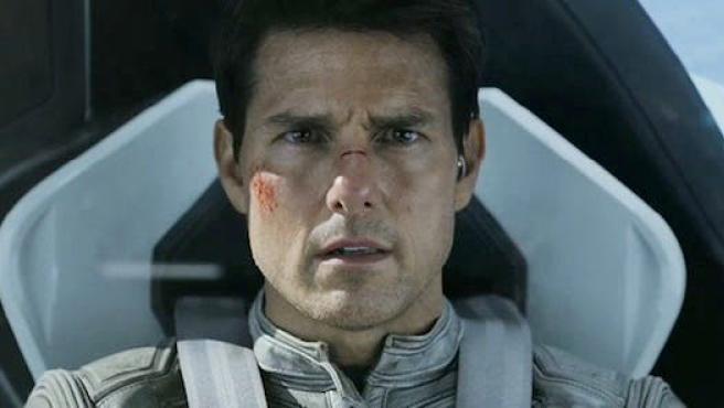 'Oblivion': Nuevo tráiler y pósters con Tom Cruise y Morgan Freeman