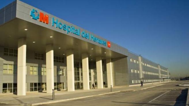 Fachada del Hospital de Henares, en Coslada.