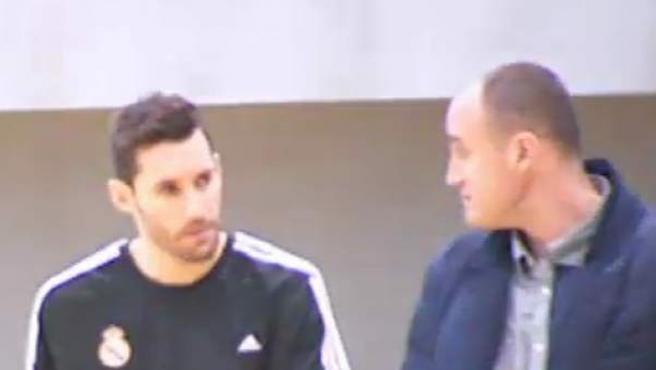 El jugador del Real Madrid de Baloncesto, Rudy Fernández, ha hablado ante los medios de la agresión que sufrió ayer a la salida del pabellón tras el partido que su equipo disputó en Kaunas.