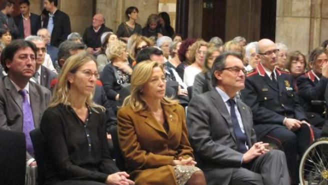 Consellera de la Generalitat N.Munté, vicepta.J.Ortega, pte.Artur Mas