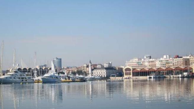 Dársena Del Puerto De Valencia