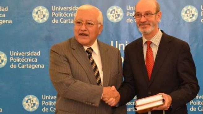 La UPCT y una universidad peruana estudian implantar una doble titulación