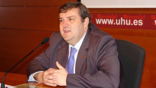Francisco J. Martínez.