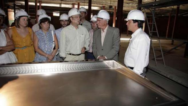 El alcalde junto al consejero Alonso, en la obras del Mercado Central