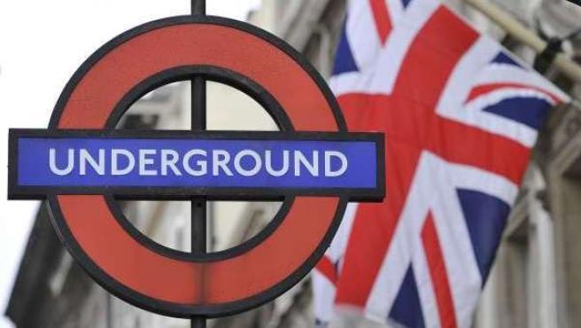 Letrero del metro de Londres.