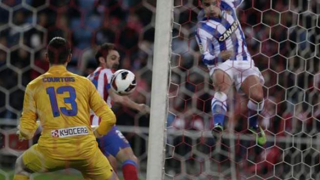 Thibaut Courtois, portero del Atlético de Madrid, ante la Real Sociedad.