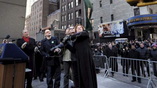 Christine Quinn, junto al grupo U2 y el alcalde de Nueva York, Michael Bloomberg, en 2009.