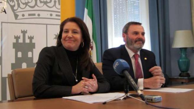 Crespo junto al subdelegado del Gobierno en Jaén hoy
