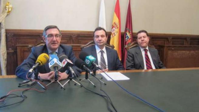 El alcalde de Santiago, Ángel Currás, en la rueda de prensa de este lunes